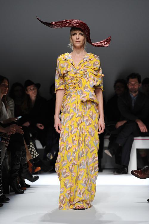 Модельер Кристиан Лакруа представил  кутюрную коллекцию Schiaparelli лето-осень 2014 19 января, в первый день Недели высокой моды в Париже. Фото: Pascal Le Segretain / Getty Images