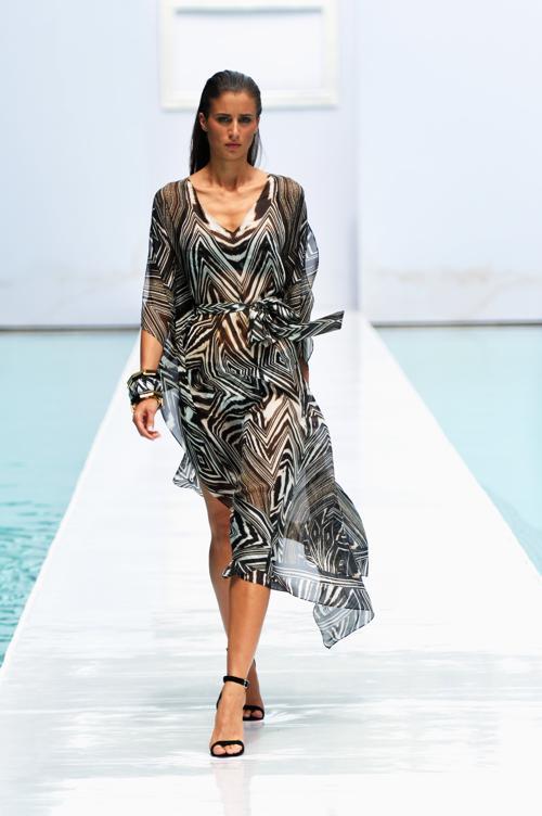 Новинки в третий день Недели пляжной моды от Mercedes-Benz в Майями 21 июля 2013 года. Фото: Mike Coppola/Getty Images for Mercedes-Benz Fashion Week Swim 2014