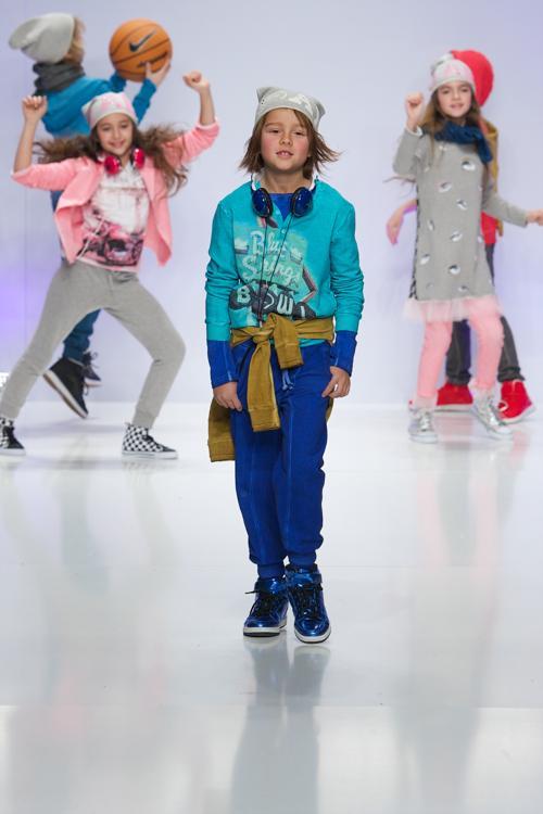 Модные показы одежды и аксессуаров для детей прошли на международной ярмарке детско-юношеской моды FIMI 2014 в Мадриде. Фото: Carlos Alvarez/Getty Images