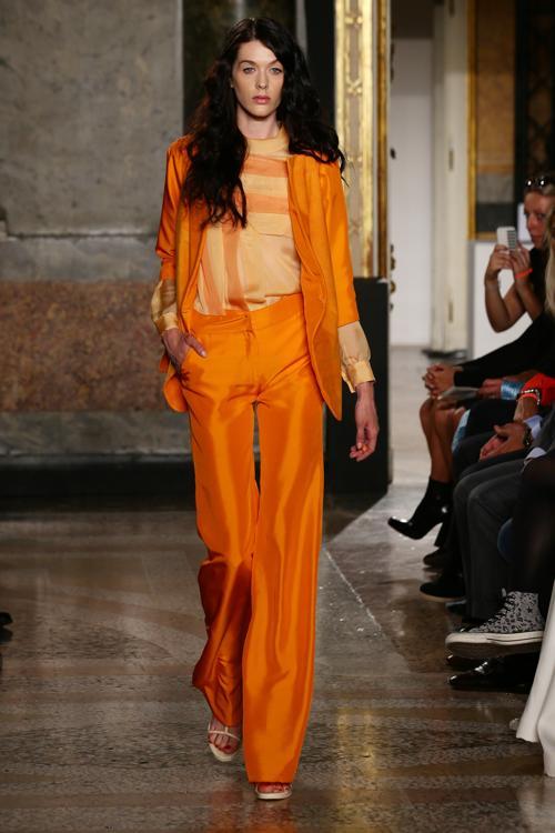 Модный дом Милы Шон, основанный в Италии в 1965 году, представил весенне-летнюю коллекцию Mila Schon 2014 года на Неделе моды в Милане 23 сентября 2013 года. Фото: Stefania DAlessandro/Getty Images