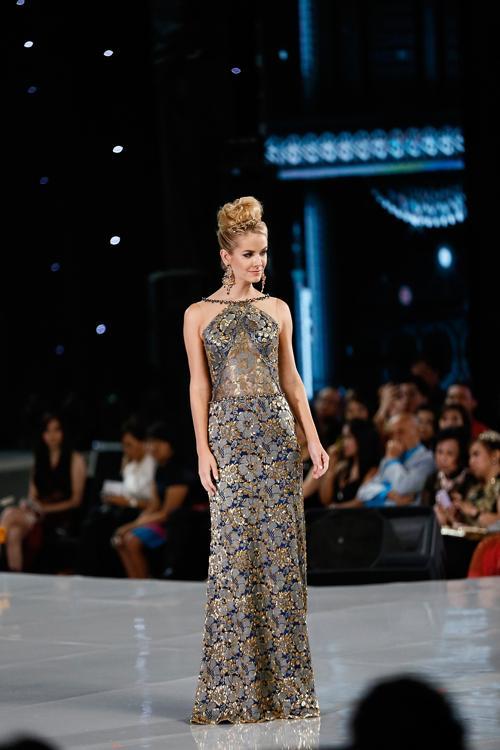 Представительница США вышла в финал в рамках международного конкурса красоты Мисс мира 2013 на индонезийском острове Бали 24 сентября 2013 года. Фото: Putu Sayoga/Getty Images