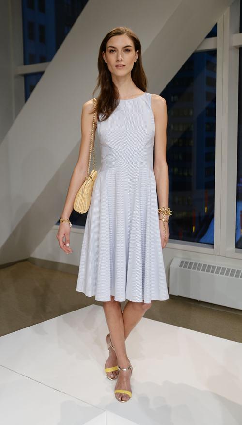 Дизайнер Энн Тейлор провела презентацию новой модной коллекции аксессуаров Ann Taylor, включая обувь и украшения, сезона лето 2014 года. Фото: Andrew H. Walker/Getty Images