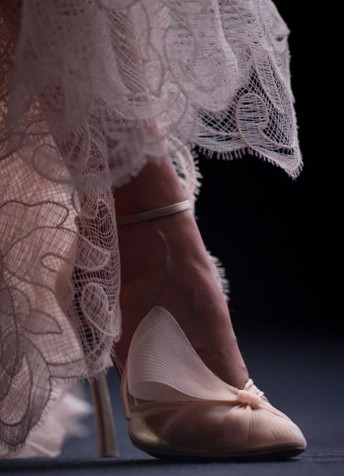Модные аксессуары представили звёзды кино на церемонии открытия юбилейного 70-го Венецианского международного кинофестиваля 28 августа 2013 года. Фото: Ian Gavan/Getty Images