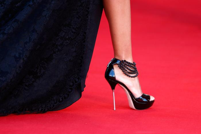 Модные аксессуары представили звёзды кино на церемонии открытия юбилейного 70-го Венецианского международного кинофестиваля 28 августа 2013 года. Фото: Andreas Rentz/Getty Images