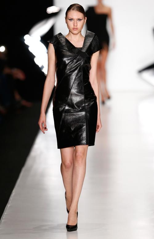 Российский дизайнер Даша Гаузер провела 29 октября 2013 года модный показ Dasha Gauser весенне-летнего сезона 2014 — «Витражи», на Неделе моды в Москве. Фото: Andreas Rentz/Getty Images for Mercedes-Benz Fashion Week Russia