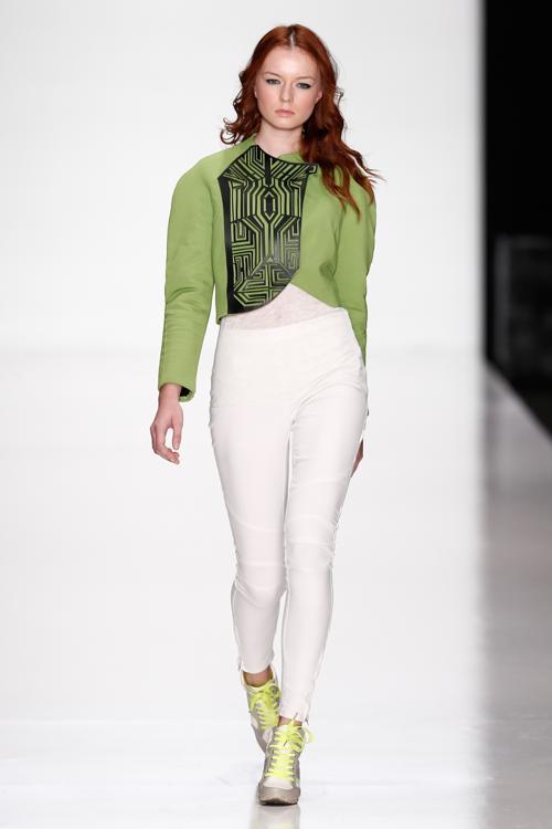 Молодые дизайнеры творческого проекта «АРТ Квадрат» представили 30 октября 2013 года свои работы на российской Неделе моды 2014. Фото: Andreas Rentz/Getty Images for Mercedes-Benz Fashion Week Russia