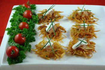 Эти вкусные хрустящие картофельные блинчики можно подавать горячими и холодными. Фото: Сандра Шилдс/Великая Эпоха, The Epoch Times