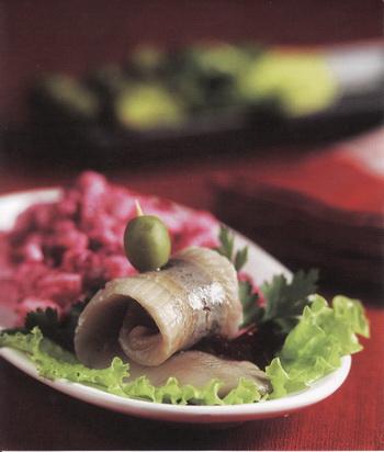 Салат с сельдью. Фото Гвидо Каена.