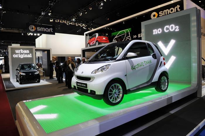Электромобиль Smart. Фото: Stan Honda/AFP/Getty Images