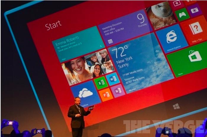 Стивен Эллоп в Абу-Даби на презентации новых продуктов Nokia. Фото: theverge.com