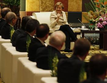 Бундесканцлер Германии Ангела Меркель во время визита в Китае. Фото: Bobby Yip-Pool/Getty Images