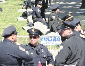 Четверо из десяти офицеров полиции в Северной Америке страдают от какого-либо расстройства сна. Фото с сайта theepochtimes.com