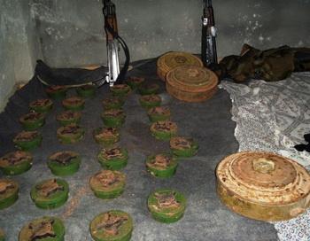 Противопехотные мины, которые устанавливала сирийская армия в селе Хит, у северной границы с Ливаном. Фото: AFP/Getty Images