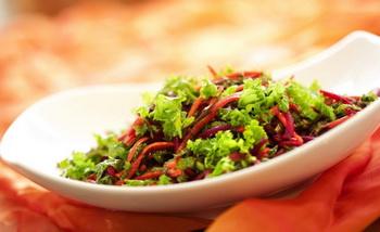Салат из свеклы с морской капустой. Фото с сайта joyofkosher.com