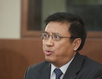 Иян Ся выступает на форуме по Китаю, прошедшем на Парламентском холме в Оттаве. Фото: Матью Литл/Великая Эпоха (The Epoch Times)