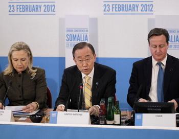 Международное сообщество хочет помочь Сомали выйти из хаоса. Фото: Matt Dunham/WPA Pool/Getty Images