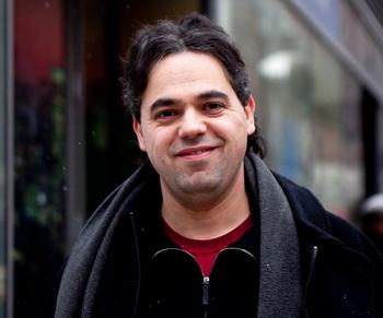 Макс Охайон, учитель. Фото с сайта theepochtimes.com