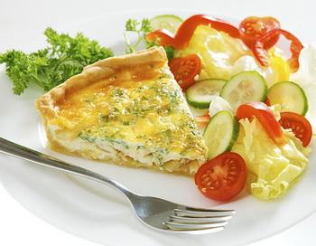 Киче - сытный завтрак без углеводов. Фото: Photos.com