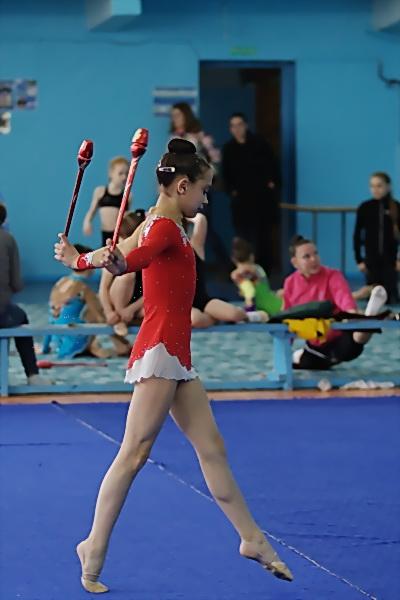 Упражнение с булавами - одно из самых трудных в художественной гимнастике. Фото: Николай Ошкай/Великая Эпоха (The Epoch Times)