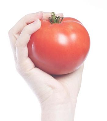 Томатный сок - основа кетчупа. Фото: photos.com