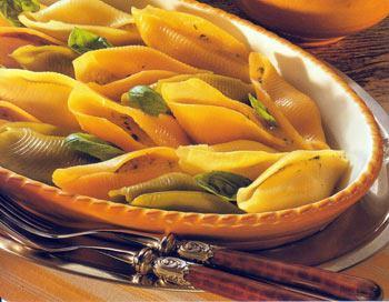 Любители макарон могут взять на вооружение несколько простых интересных способов приготовления ракушек.