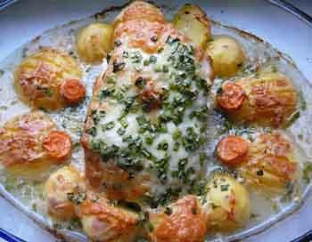 Маринованный окорок, запеченный с картофелем. Фото: Надежда Тихонова/Великая Эпоха (The Epoch Times)