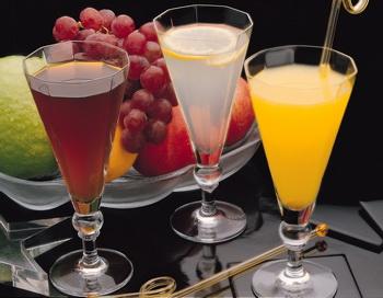 Прохладительные напитки. Фото с сайта zastavki.com