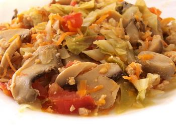 Худеем, не голодая. Овощное ассорти с мясом и грибами. Фото: Хава ТОР/Великая Эпоха