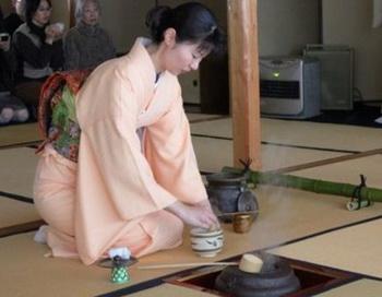 Традиционная чайная церемония в стиле Соко Уэда. Фото с сайта epochtimes.de