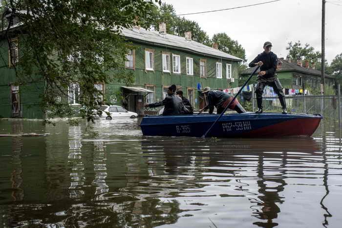 Последствия паводка на Дальнем Востоке. Фото: IGOR CHURAKOV/AFP/Getty Images