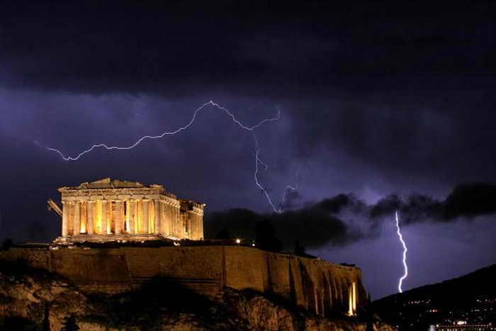 Афины. Фото: ARIS MESSINIS/AFP/Getty Images