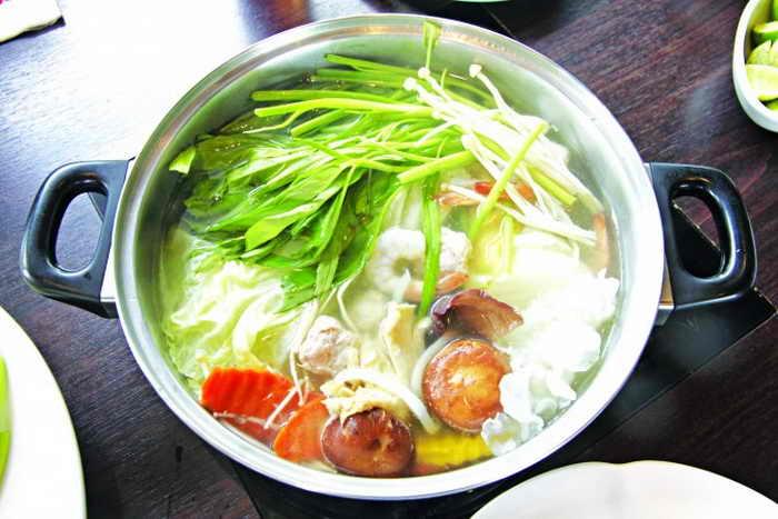 Традиционное японское блюдо для зимнего сезона, которое называется «набе». Фото: MeePoohyaphoto/photos.com