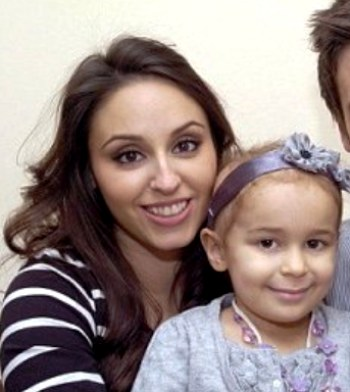 Кэрри Хоккамбл с дочерью Беллой. Фото: medikforum.ru