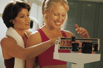 СТРАТЕГИЯ ПОХУДЕНИЯ: тренировка  тела помогает сбросить избыток веса. (Photos.com)