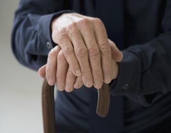 Во время проведения программы более 10000 россиян смогут узнать больше о таком заболевании, как остеопороз. Фото: Blend Images/Getty Images