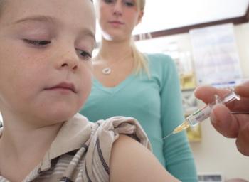20 малоизвестных фактов о прививках. Фото: Peter Cade/Getty Images