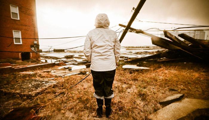 Из-за урагана «Сэнди» более 8 миллионов человек на Восточном побережье Северной Америки остались без электроэнергии. Я представляю, с каким множеством проблем теперь придётся столкнуться этим людям. Фото: Mario Tama/Getty Images