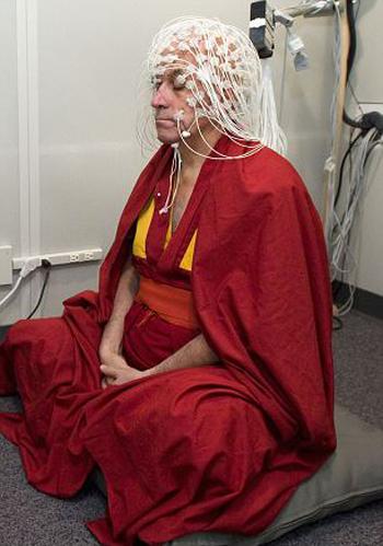 Медитация способна полностью изменить ваш мозг и, следовательно, изменить то, кем ты являешься. Фото: AFP/Getty Images