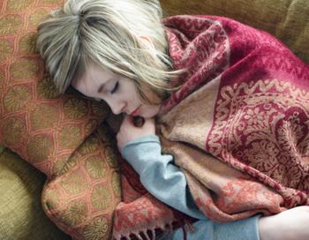 Найдите себе какое-то занятие перед сном, чтоб вы ложились уже расслабленным. Фото: Dougal Waters/Getty Images
