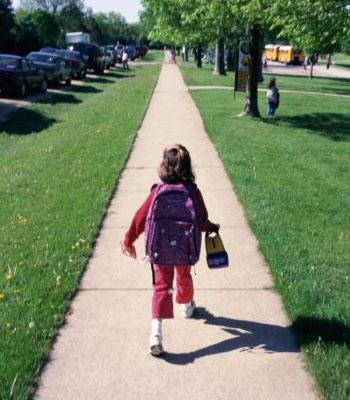 В чем состоит величайшая трагедия, которая может случиться с родителями? В том, что ребенок умрет, прежде чем они. Так трагично, когда это происходит, и мы можем наблюдать это все чаще. Фото: Photos.com