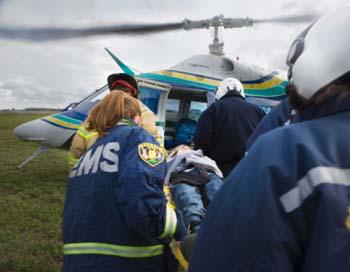 На вертолете Говарда Снитцера доставили в медицинское учреждение. Обследование подтвердило распространенный инфаркт миокарда. Фото:  David Ellis/Getty Images