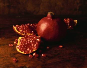 Гранат – вкусный и полезный фрукт. Фото: Mitch Hrdlicka/Getty Images