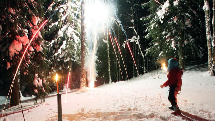 Накануне Нового года напомните своим домочадцам простые правила, которые помогут уберечь дом от огня, а людей от увечья. Фото: AFP/Getty Images