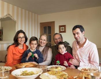 Семейные люди легче переносят серьёзные операции. Фото: Adrian Weinbrecht/Getty Images
