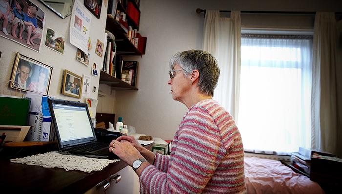 Всего за 12 часов игры на ноутбуке в течение месяца пенсионеры стали способнее, как будто отмотали обратно десятки лет. Фото: Peter Macdiarmid/Getty Images
