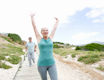 Но на самом деле то, что в борьбе с лишним весом диета должна идти рука об руку с физическими упражнениями, - не пустые слова. Фото: B2M Productions/Getty Images