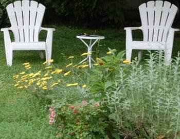 Уютный садик приглашает отдохнуть. Фото: The Epoch Times