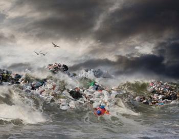 Согласно канадскому информационному агентству ежегодно в водные пути сбрасывается 50 миллиардов галлонов неочищенных сточных вод. Фото: John Lund/Getty Images