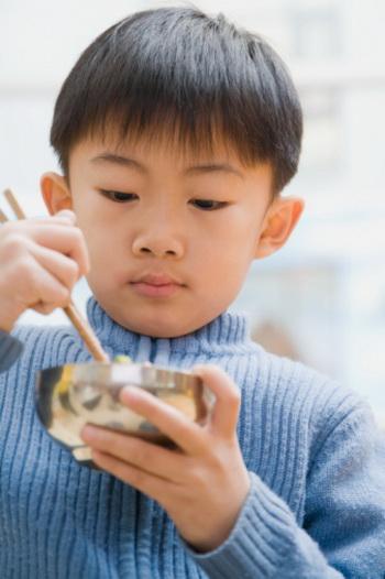 Почему дают уху больным детям, если иногда это не подходит им? Фото: Paul Burns/Getty Images