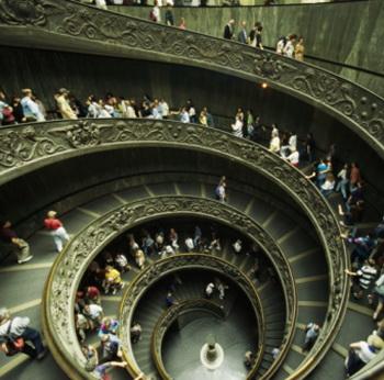 Врачи рекомендуют использовать любые способы для активности в повседневной жизни. (Лестница в музее в Ватикане). Фото: Paul Chesley/Getty Images